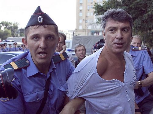 Uno dei tanti immotivati arresti di Nemtsov